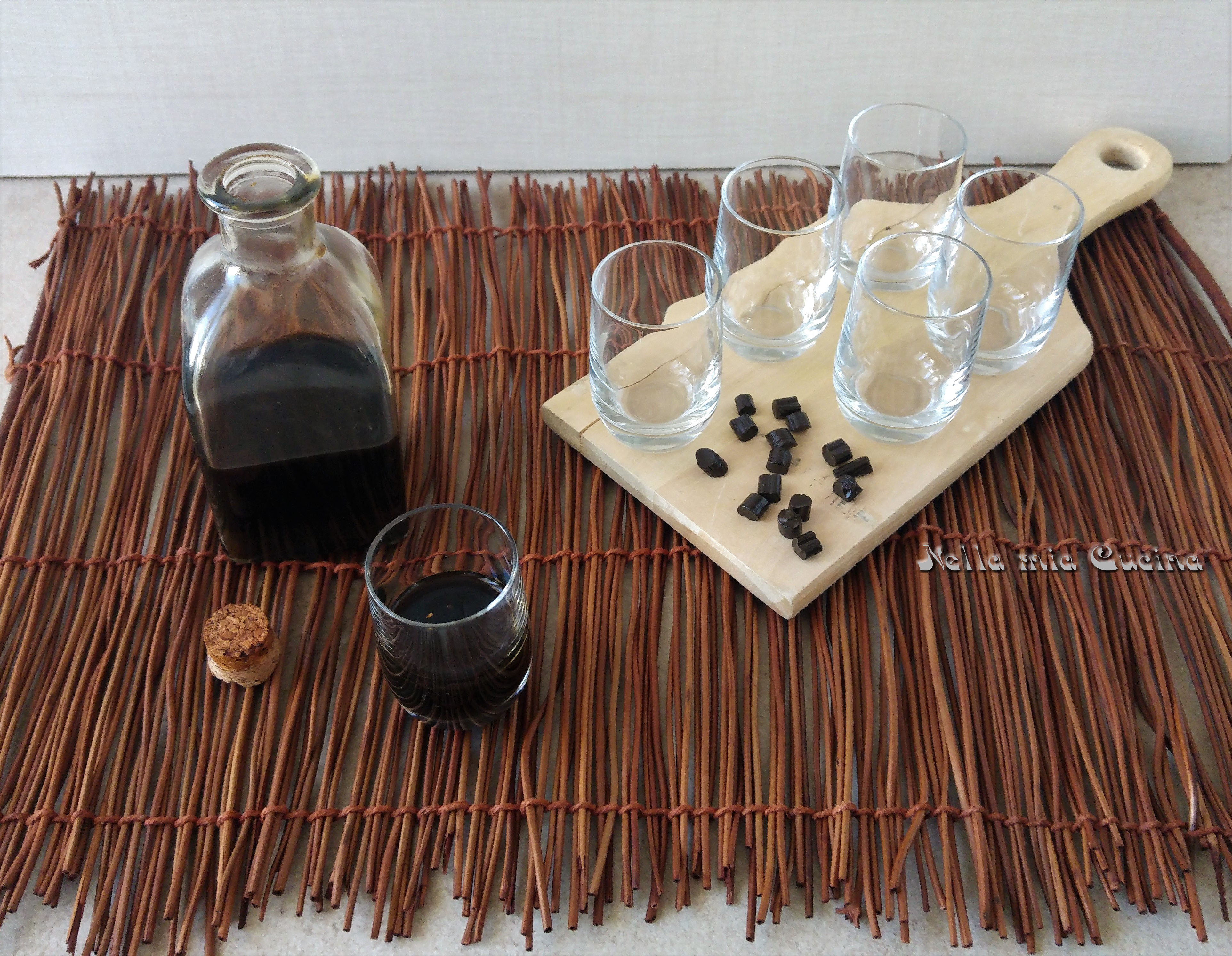 Liquore alla Liquirizia preparato in casa