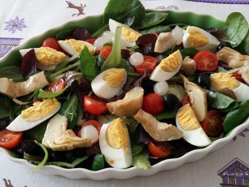 Insalata con uova sode e sott'aceti– ricetta semplice
