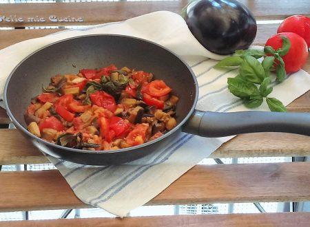 Sugo di melanzane fritte e pomodoro fresco -ricetta semplice