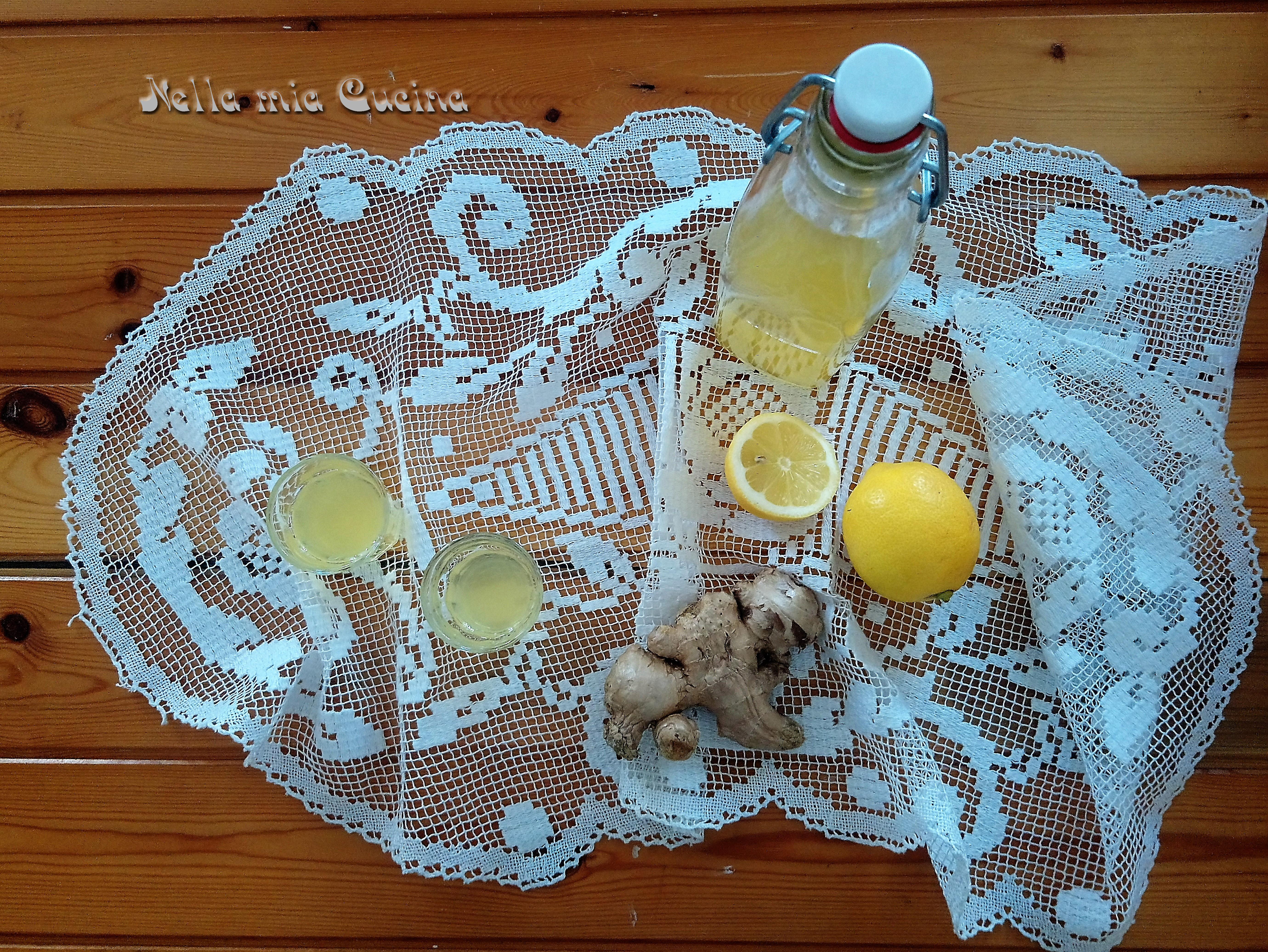 Liquore allo Zenzero preparato in casa