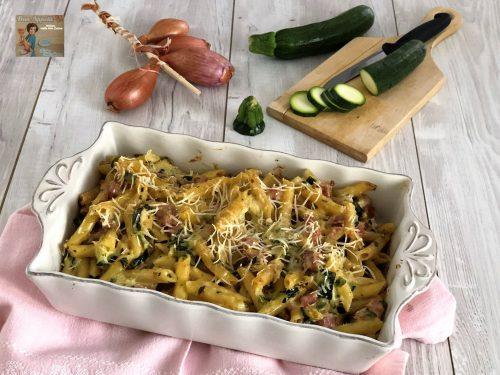 Pasta al forno con zucchine , cotto e mascarpone