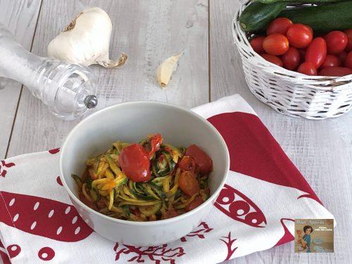 Spaghetti di zucchine con datterino