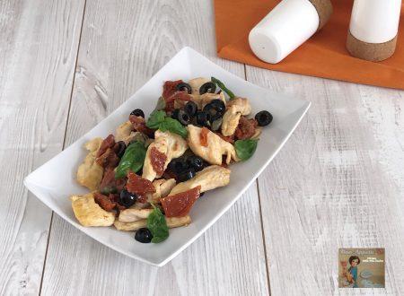 Bocconcini di pollo con pomodoro secchi , olive