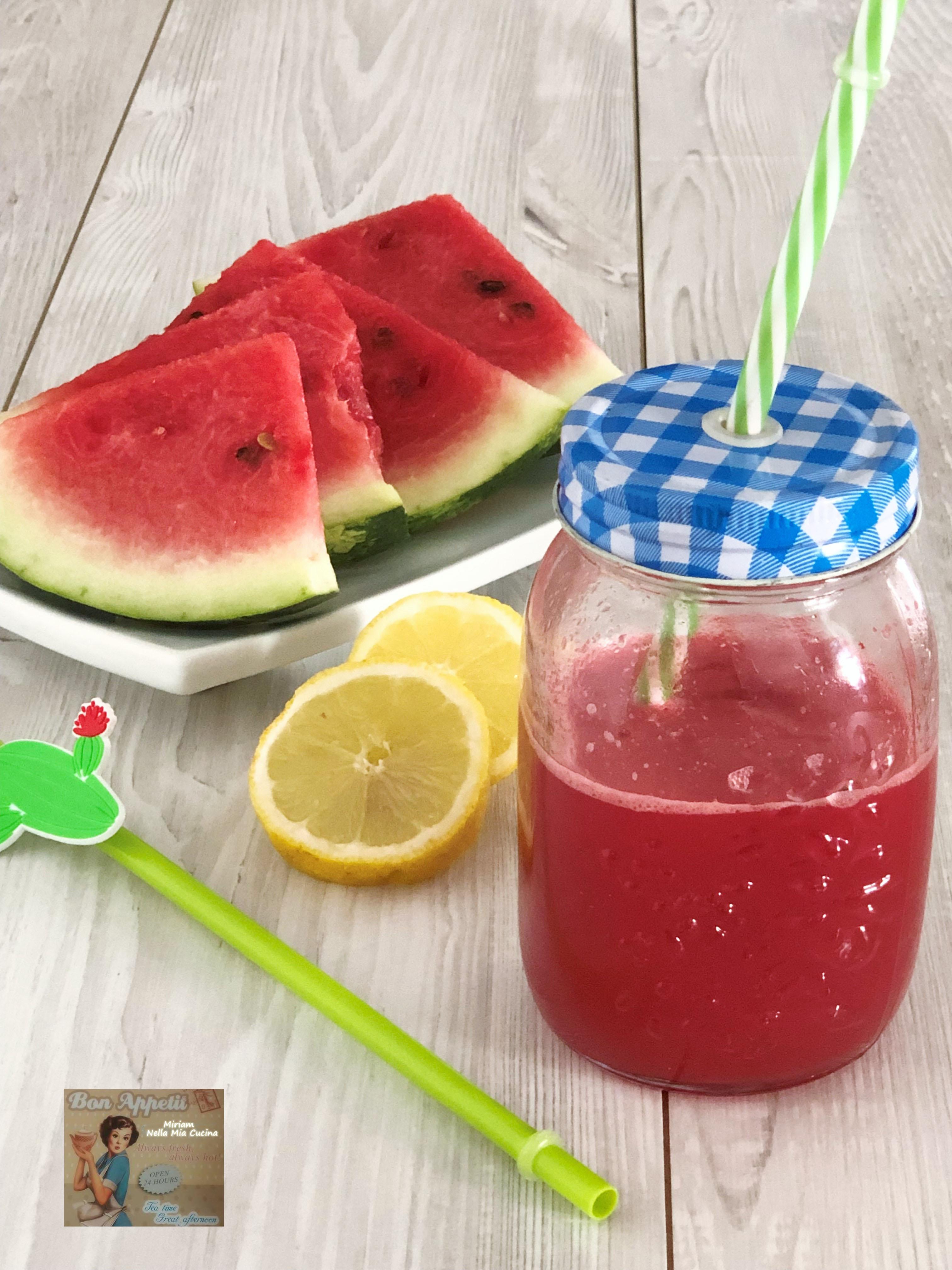 Succo di anguria e limone - ricetta estiva