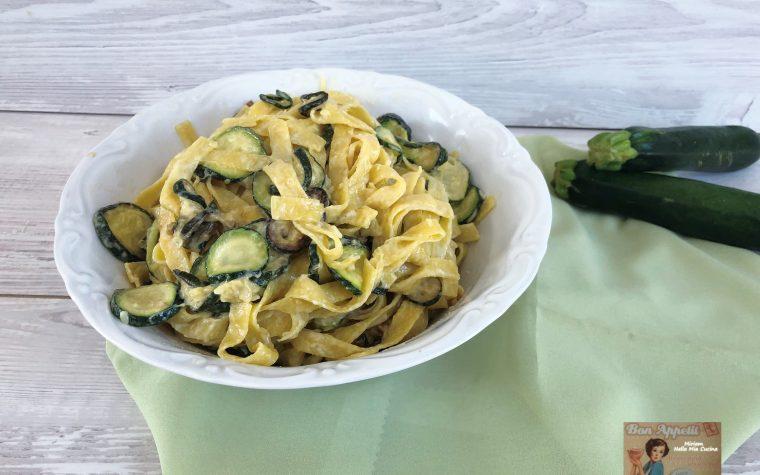 Tagliatelle con Stracchino e Zucchine