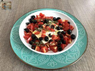 Feta greca al forno con pomodorini