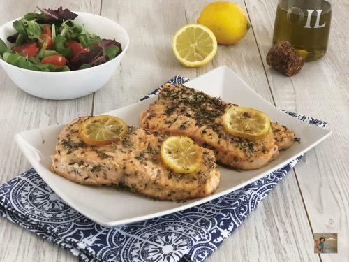 Tranci di salmone alle erbe aromatiche