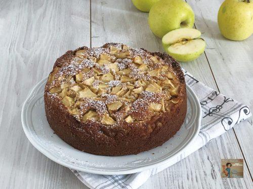 Torta di mele e mascarpone con farina di grani antichi