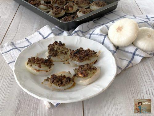 Cipolle nuove gratinate con Capperi e Acciughe
