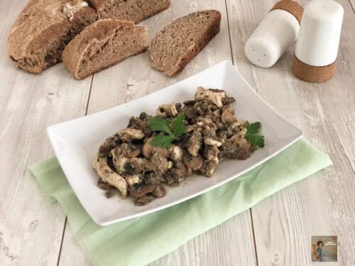 Straccetti di Tacchino cremosi con champignon