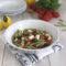 Insalata di pasta con Feta olive e pomodorini .