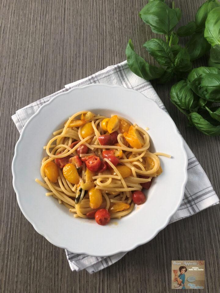spaghetti con datterini gialli