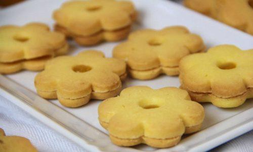 Biscotti al burro e marmellata