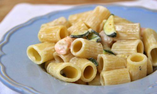 Pasta gamberetti, zucchine e Philadelphia