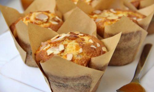 Muffin alla marmellata e mandorle