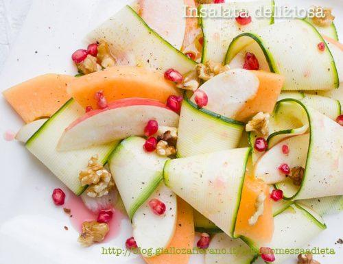 [:it]Insalata deliziosa di zucchine e melone al melograno[:]