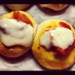 Pizzette di pasta brioche