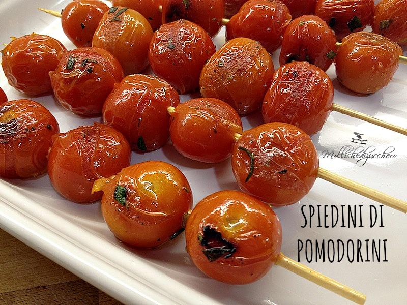 spiedini di pomodorini
