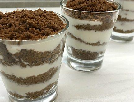 Dessert light yogurt e biscotti