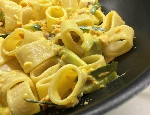 Pasta cremosa salmone e zucchine