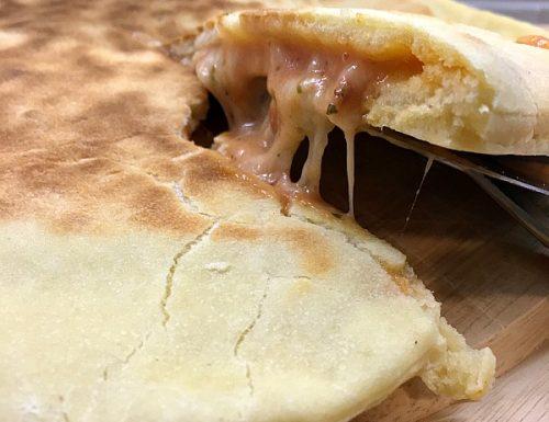 Focaccia in padella gusto pizza