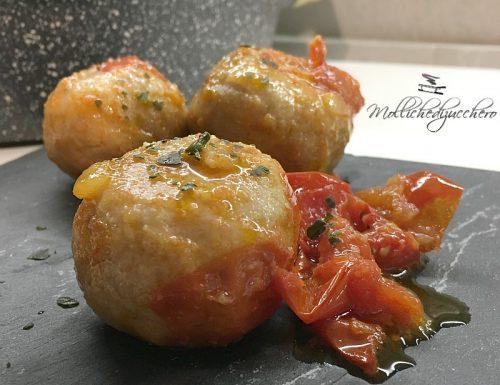 Polpette in padella con pomodori ricetta veloce