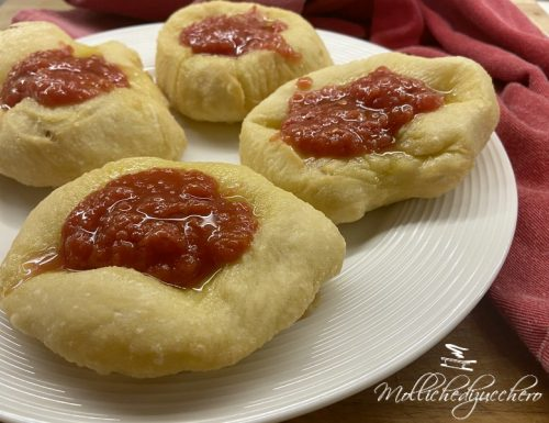 Pizzette saporite ricetta sfiziosa