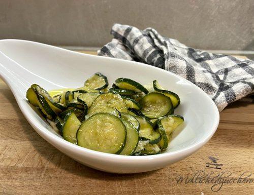 Zucchine saporite in padella ricetta veloce