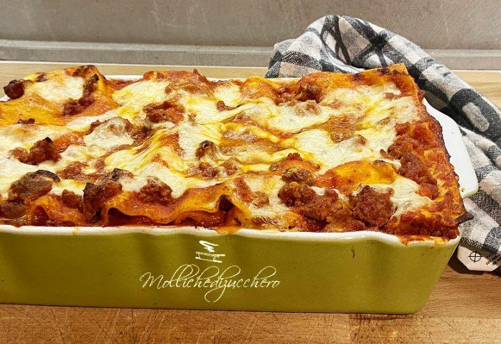 lasagna al forno con ragù di salsiccia