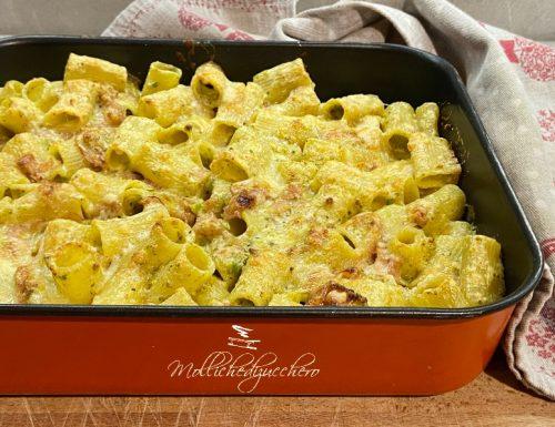 Pasta al forno con pistacchi e mortadella