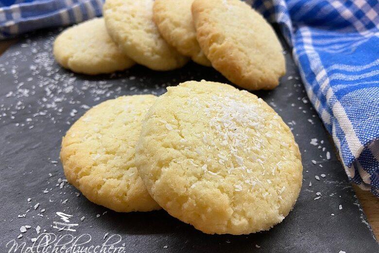 Biscotti morbidi al cocco ricetta velocissima