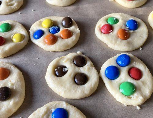 Happy cookies biscotti senza glutine con m&m's