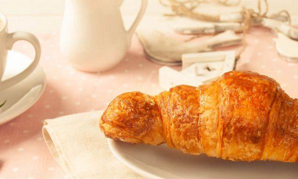 Croissant semplici, ricetta colazione al risparmio