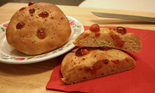 Focaccine morbide al pomodoro fresco, ricetta semplice