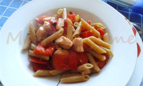 Penne al salmone fresco e peperoni, ricetta light