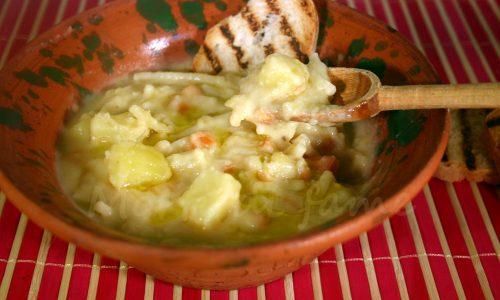 Zuppa di fave e patate, ricetta semplice