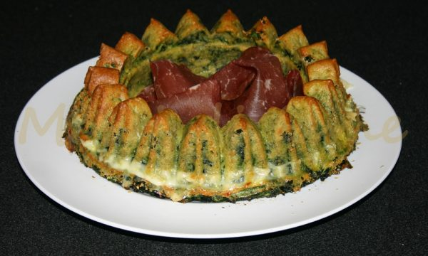 Corona di spinaci filanti, ricetta contorno facile