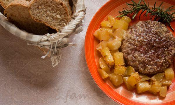 Hamburger al forno con patate, ricetta speciale