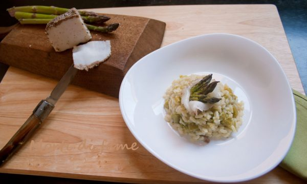 Risotto con asparagi e lardo di Colonnata, ricetta facile