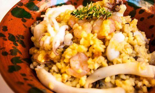 Fregula risottata con seppie, gamberetti, vongole, ricetta facile