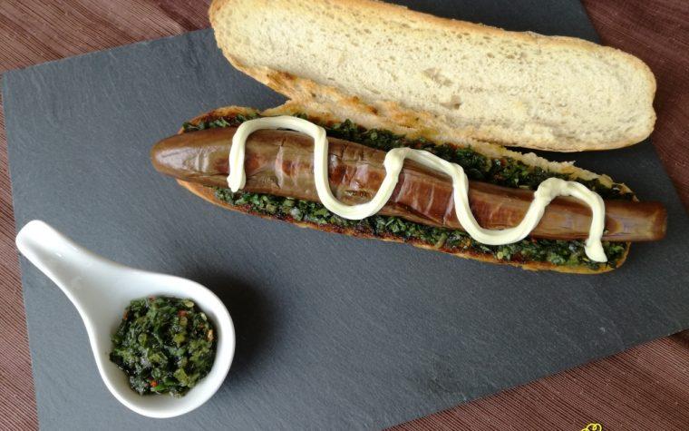Hot Dog con Melanzane Perlina e Salsa di Erbe Aromatiche