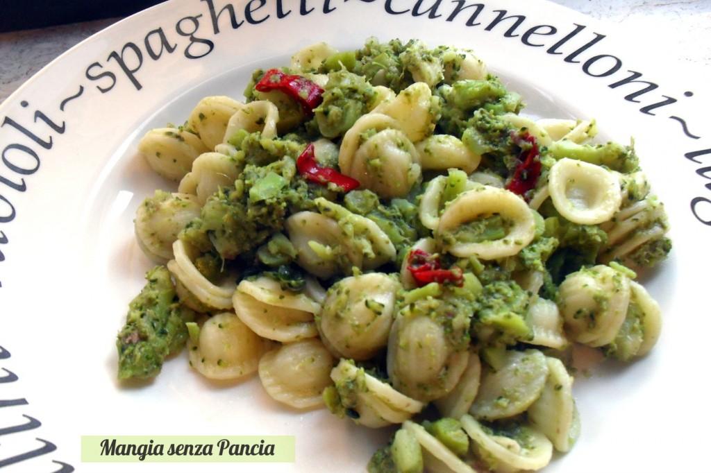 Orecchiette con i broccoli, ricetta leggera, Mangia senza Pancia