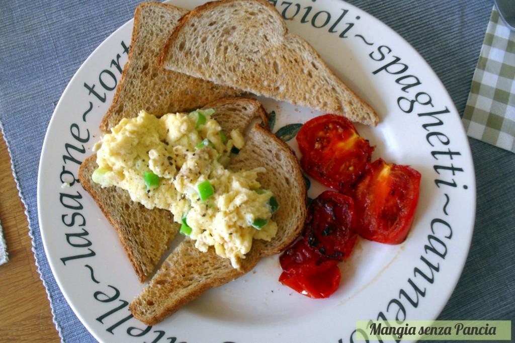 Scrambled Eggs on Toast, uova strapazzate light, Mangia senza Pancia
