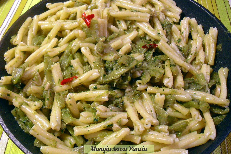 Pasta e puntarelle, ricetta nutriente   Mangia senza pancia
