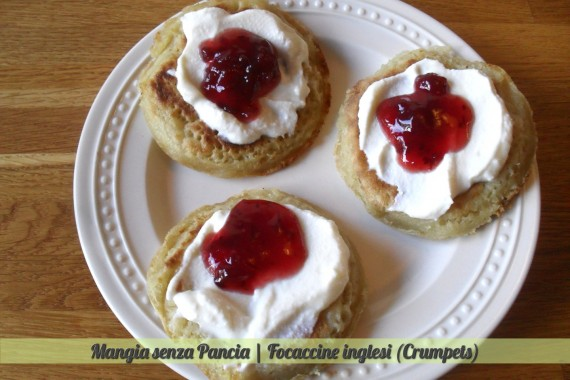 Focaccine inglesi crumpets, ricetta anglosassone, Mangia senza Pancia