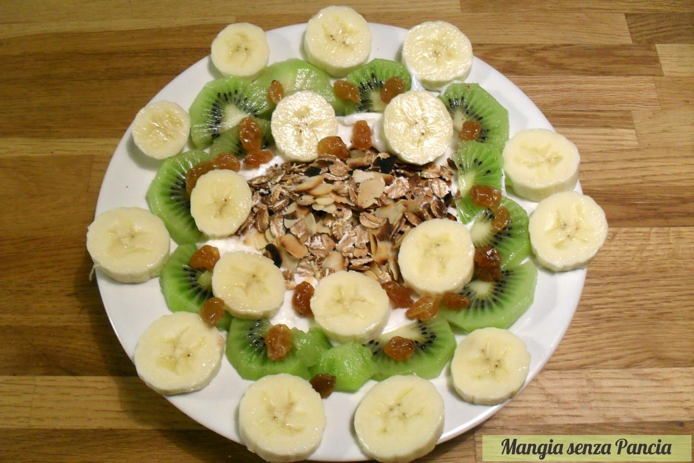 Popolare Yogurt con avena croccante e frutta - colazione leggera AO91