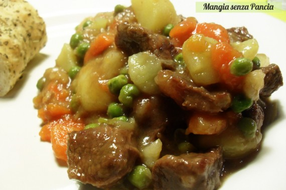Spezzatino con patate e piselli leggero