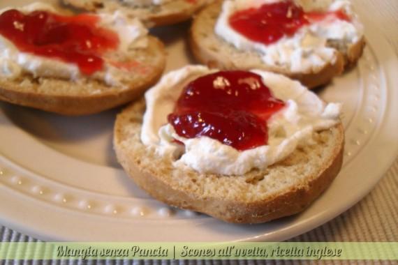 Scones all'uvetta, Cream tea, diario di una dieta - Giorno 426, Mangia senza Pancia