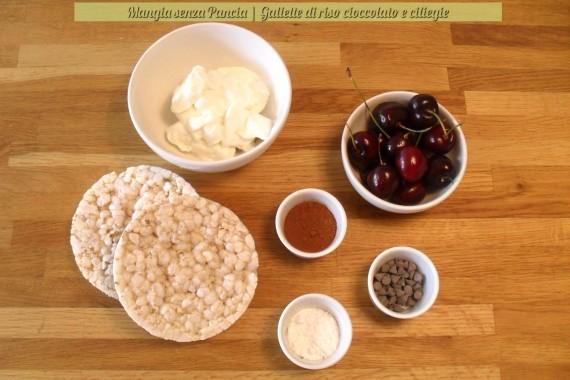 Gallette di riso cioccolato e ciliegie, ricetta leggera, Mangia senza Pancia