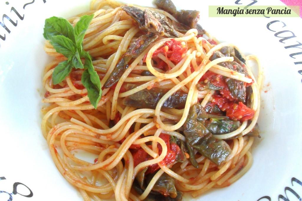 Spaghetti ai peperoncini verdi dolci, ricetta vegetariana, Mangia senza Pancia